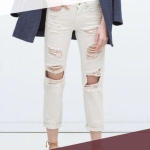 3 for $10 SALE Zara White Ripped Capri Jeans